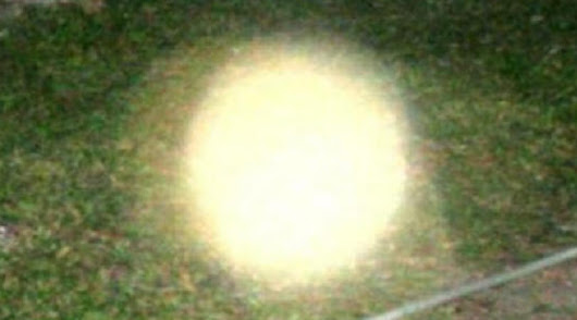 Ghost Orb Discharging Energy into the Surrounding Air in Thin Mist
