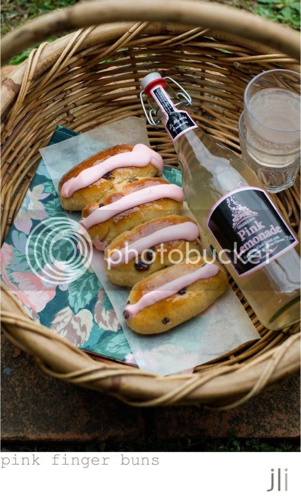 pink finger buns