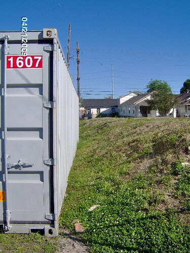 Container on sidewalk 8500 Block Fig