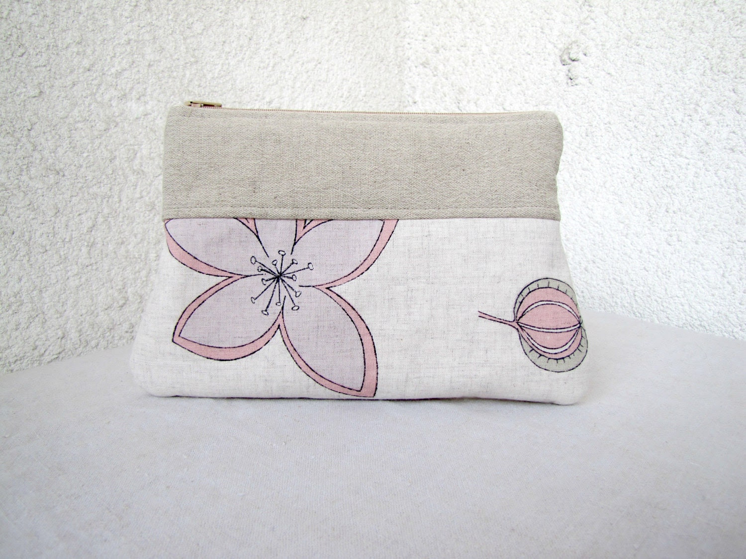 The Big Flowers Clutch, Zipper pouch Cosmetic bag, Diapers case - Linen and Upcycled cotton