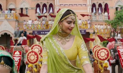 Bite Size Bridal Inspiration: Sonam Kapoor's Outfits in