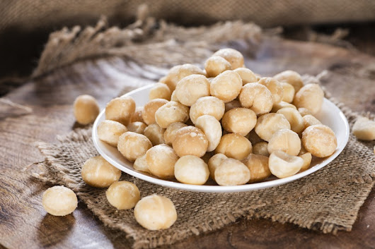 10 Fascinating Health Benefits Of Macadamias | FOOD MATTERS®