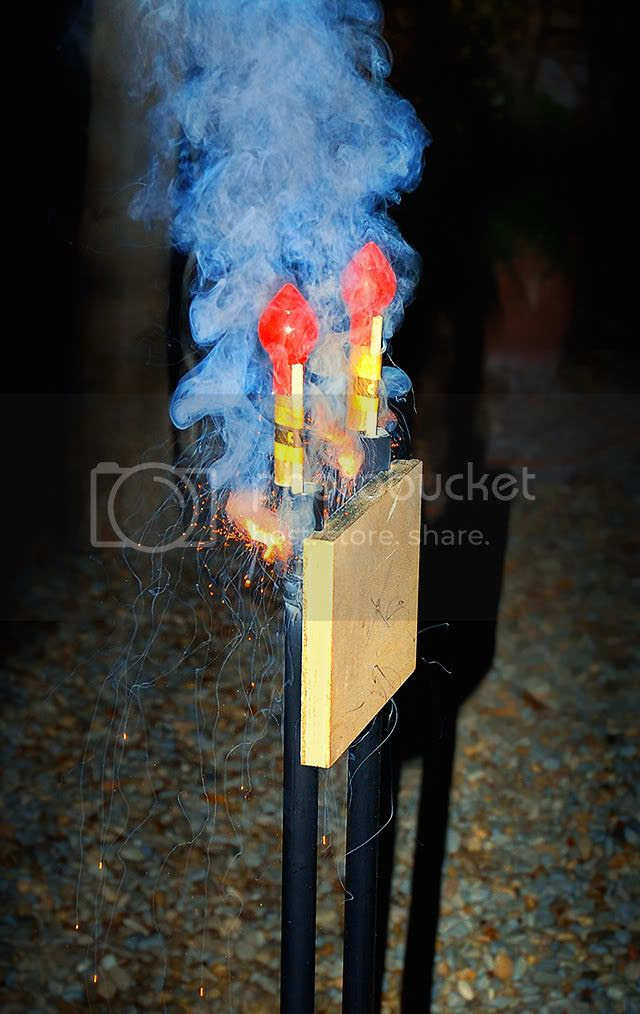 Sant Joan Firecrackers: Launching Gadget Closeup [enlarge]