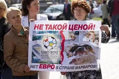 Masacre de perros en ucrania (1)