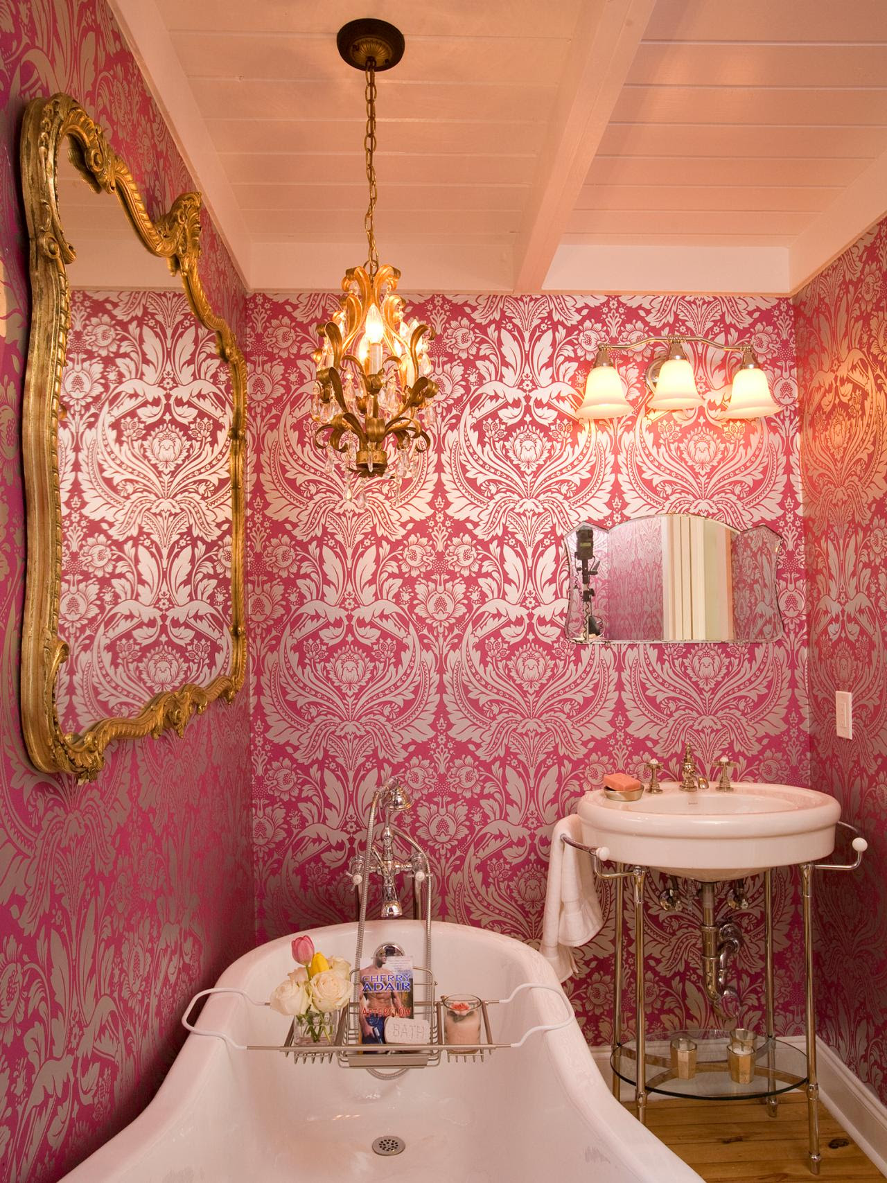 Reasons To Love Retro Pink Tiled Bathrooms HGTVs Decorating
