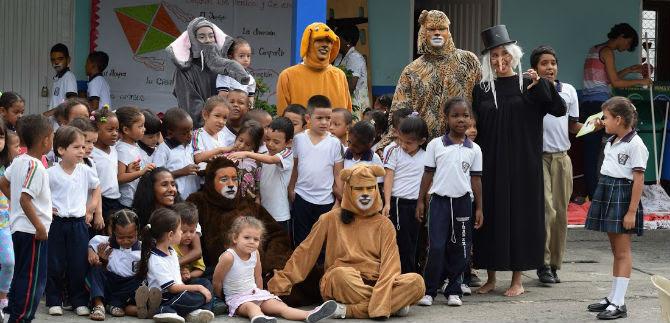 Sensibilizan a estudiantes de 50 instituciones en tenencia responsable de animales