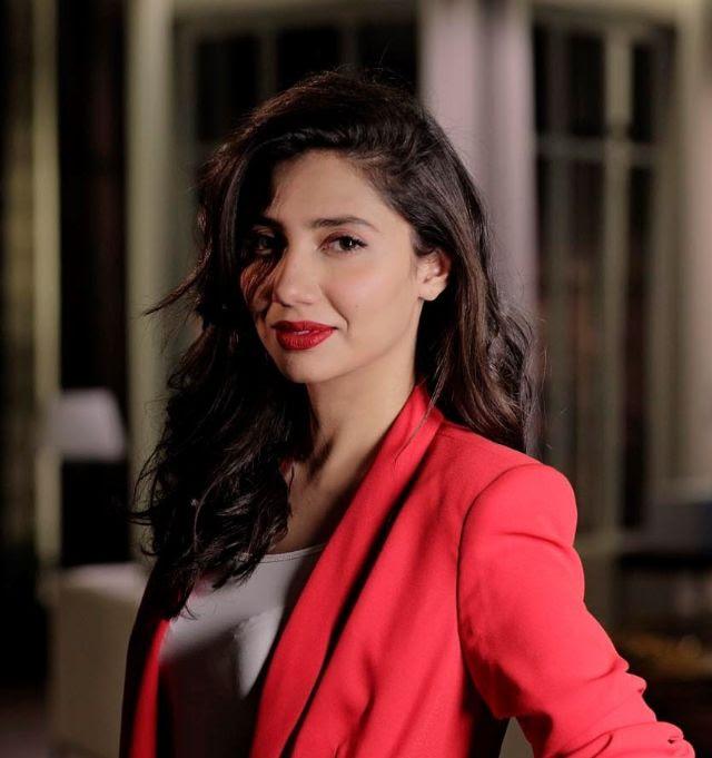 الممثلة ماهيرا خان