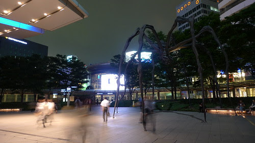 The huge spider statue in front of Roppongi Hills
