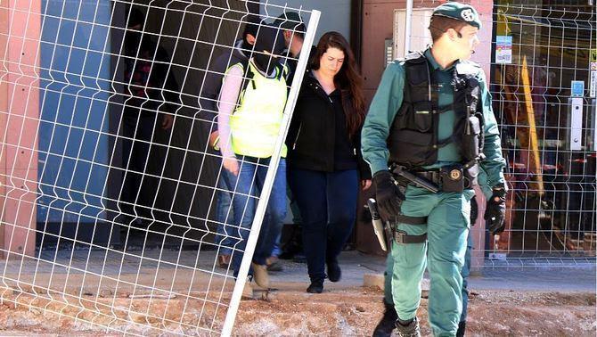 Tamara Carrasco, al moment de ser detinguda a Viladecans, dimarts passat