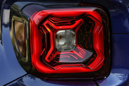 Jeep Teases Renegade Ahead of June 6 Debut | News from Cars.com