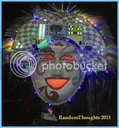 Mask-lantern entry
