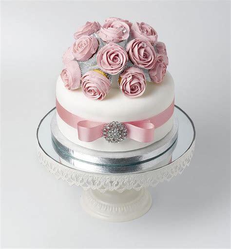Best 25  Mini cupcake bouquets ideas on Pinterest   DIY