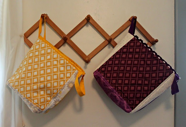 Simply Color Totes -- Yellow & Purple