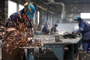 Retailers create factory safety plan for Bangladesh