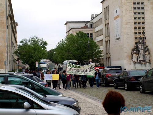 Protesto dos alunos internacionais na Universidade de Coimbra contra o aumento do preço das propinas [en] Protest of international students at the University of Coimbra against the rising price of tuition