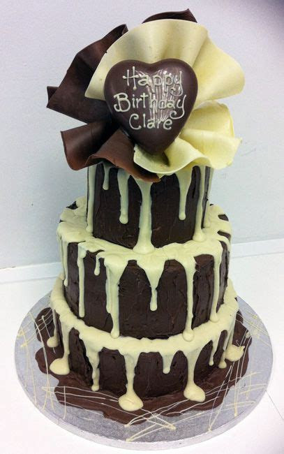 Chocolate and Fans   Sugar N Spice Cakes