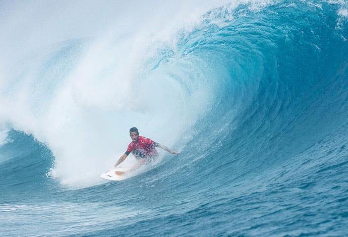 Filipe Toledo dá trabalho a Owen Wright, mas perde 4ª fase e disputa repecagem em Teahupoo, no Taiti (Foto: Divulgação/WSL)