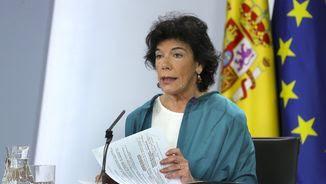 La ministra portaveu, Isabel Celaá, aquest divendres després del consell de ministres (EFE)