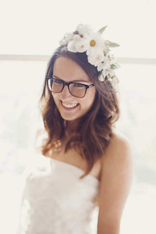 Are Brides Who Wear Glasses Any Less Beautiful?