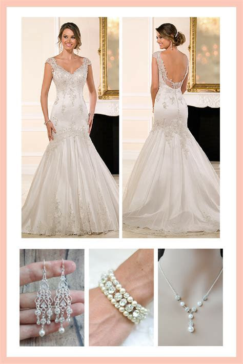 What Bridal Jewelry Should I Wear With My Cap Sleeve