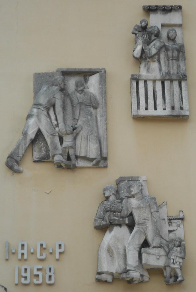 Virgilio Milani - bassorilievi palazzo IACP Istituto Autonomo Case Popolari