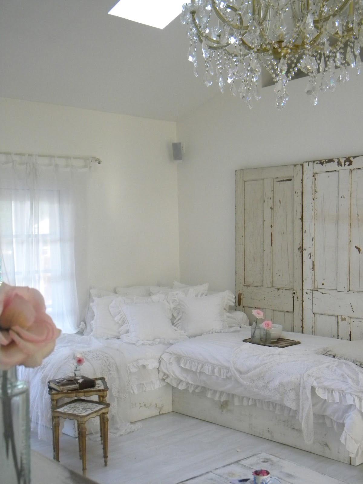 Small Room Design White