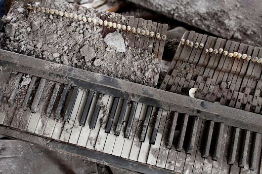 JLA Music - Dirty Hands Versus Clean Piano Keys: The Best Advice for Cleaning Piano Keys Confirmed by a Real Expert