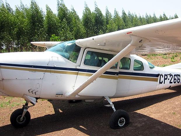 Aeronave precisou fazer pouso forçado por falta de combustível (Foto: Assessoria/Polícia Civil)