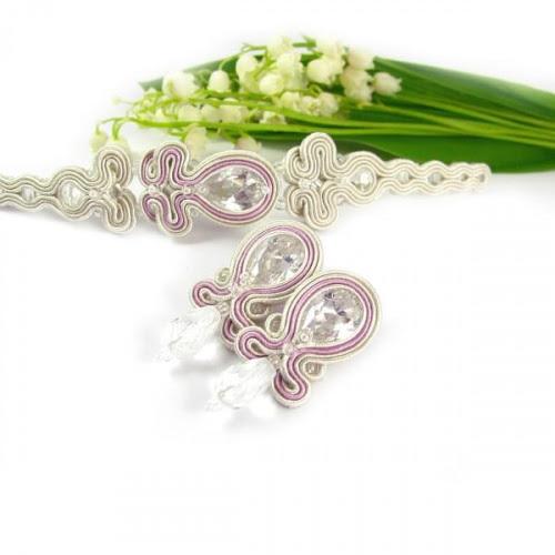 Pudrowa biżuteria ślubna sutasz