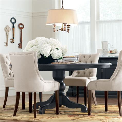 dining table    intimate gatherings