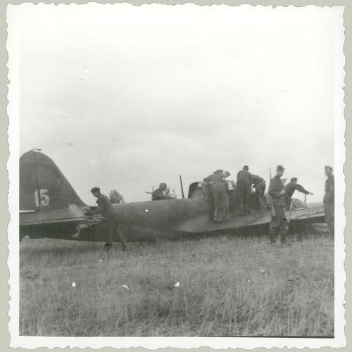 German twin engine plane