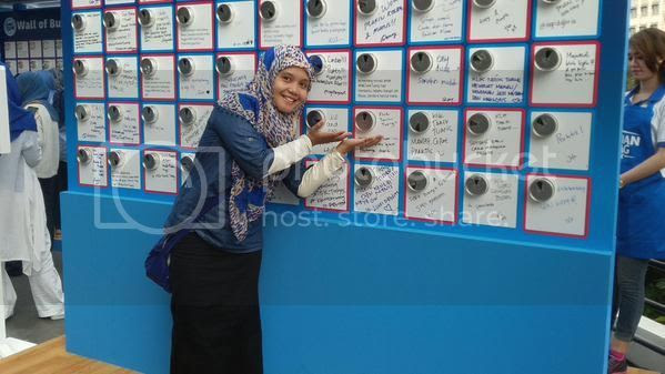 photo wall-of-buzz_zpspeegobdi.jpg