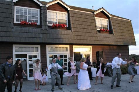 Wedding DJ at Newland Barn Huntington Beach   Wedding and