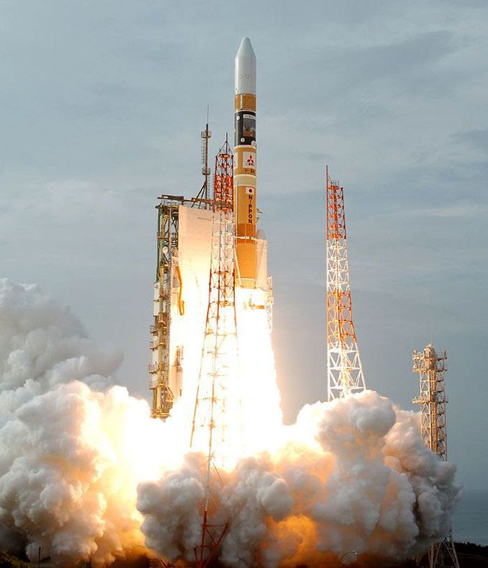 The H-IIA rocket carrying the Akatsuki spacecraft and IKAROS solar sail is launched from Tanegashima Space Center in Japan on May 21, 2010 (Japan time).