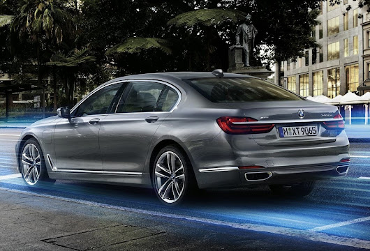 2016 BMW 740e xDrive: Toe-to-Toe with the Mercedes-Benz S550 PHEV