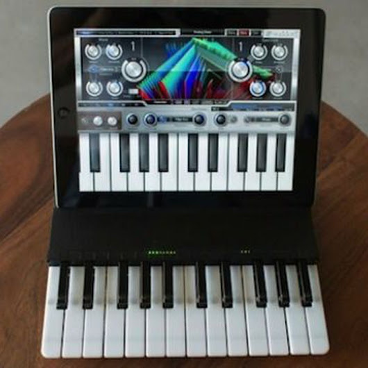 Keyboard Case Turns Your iPad Into a Pint-Sized Piano