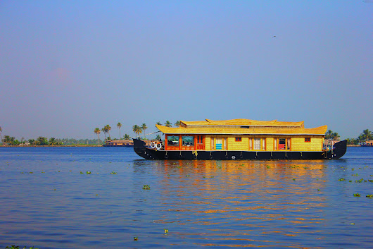 101 KERALA HOUSEBOAT BOOKING ONLINE,REVIEWS AND PRICE.