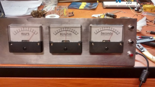 Going retro with the MSP430 analog gauge clock