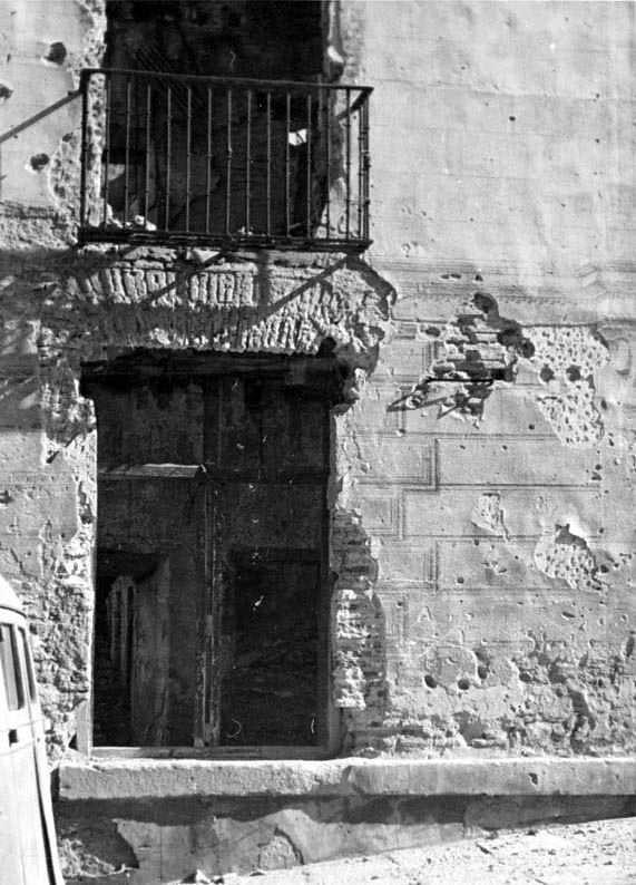 Cuesta de Carlos V en la posguerra. Fotografía Josep Gaspar i Serra © Arxiu Nacional de Catalunya. Signatura ANC1-23-N-1557