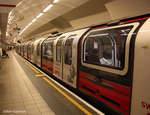 Digital TV livery on the Central Line