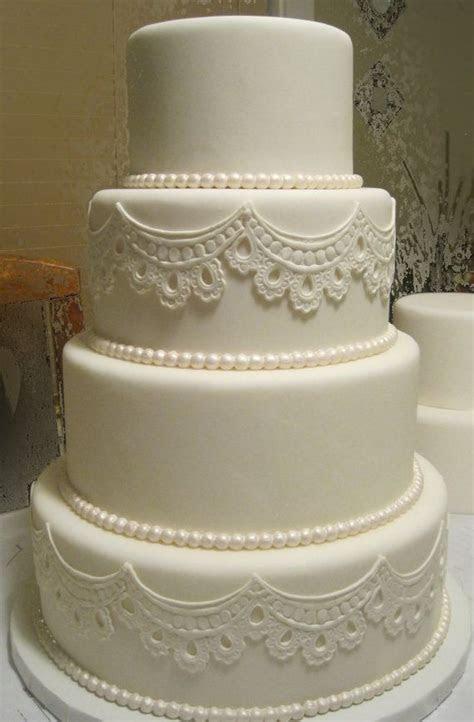 25  best ideas about Fake wedding cakes on Pinterest