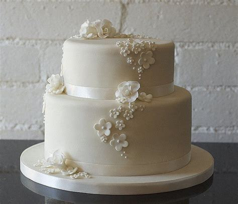 Two Tier Buttercream Wedding Cakes   Two Tiers Wedding