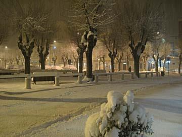 [snowy night]