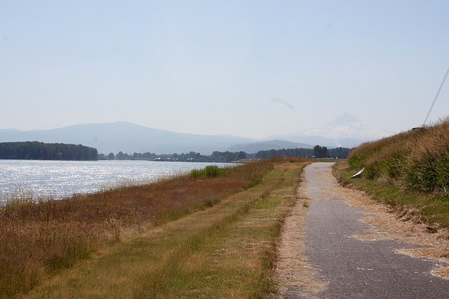 Marine Drive Trail, Columbia River