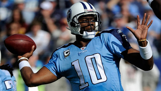 QB Vince Young signs with Roughriders