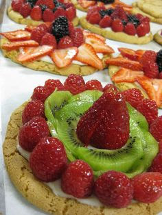 Great Idea.  Just use your fruit pizza recipe and make individuals.
