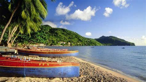 Islands boats palm trees caribbean bing beach wallpaper   (30100)
