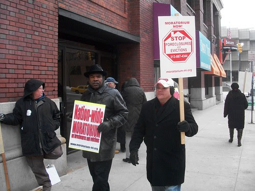 Demonstration in downtown Detroit at the office of Sen. Debbie Stabenow to demand a federal moratorium on foreclosures. The government through Fannie Mae and Freddie Mac continues to bailout the banks. (Photo: Abayomi Azikiwe) by Pan-African News Wire File Photos