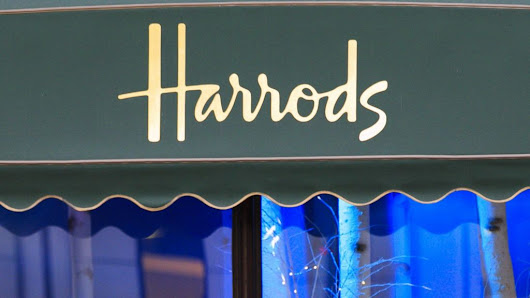 Harrods pledges to improve catering staff tips after strike threat - BBC News