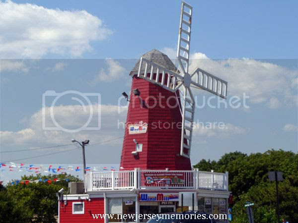 photo WindmillHotDogs2_zpsed65cb10.jpg